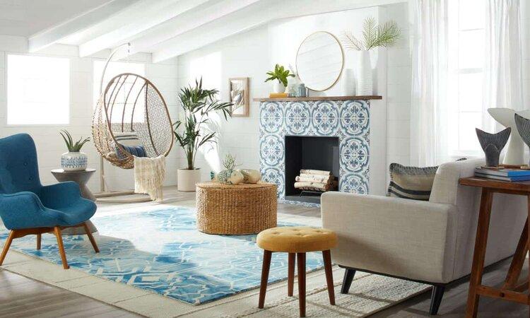 yüksek-tavanlı-oturma-odası-dekorasyonu