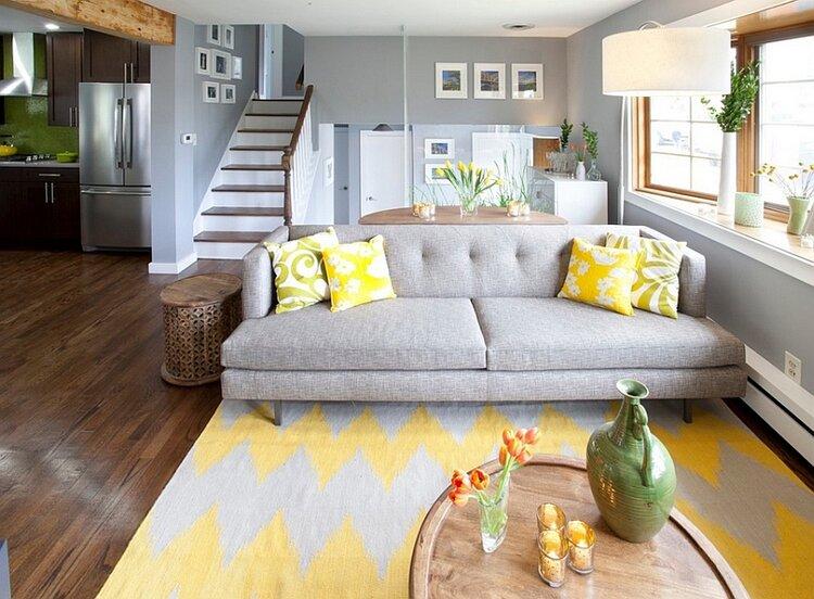 2021-trend-halı-dekorasyon-gri-sarı-halı