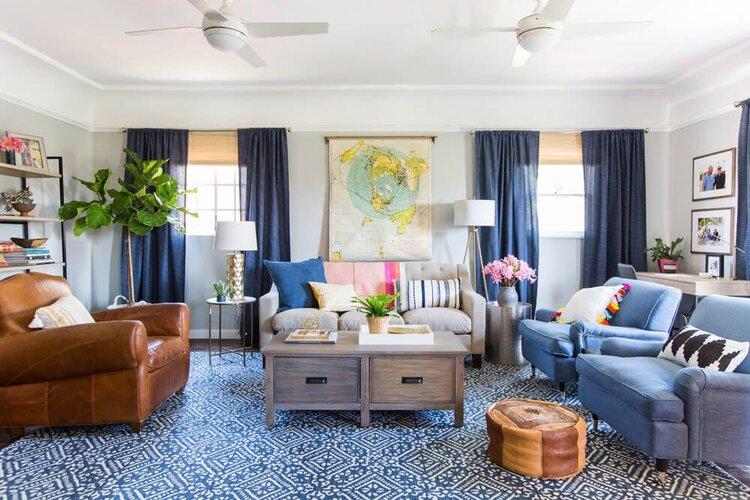 2021-trend-halı-dekorasyon-mavi-beyaz-halı