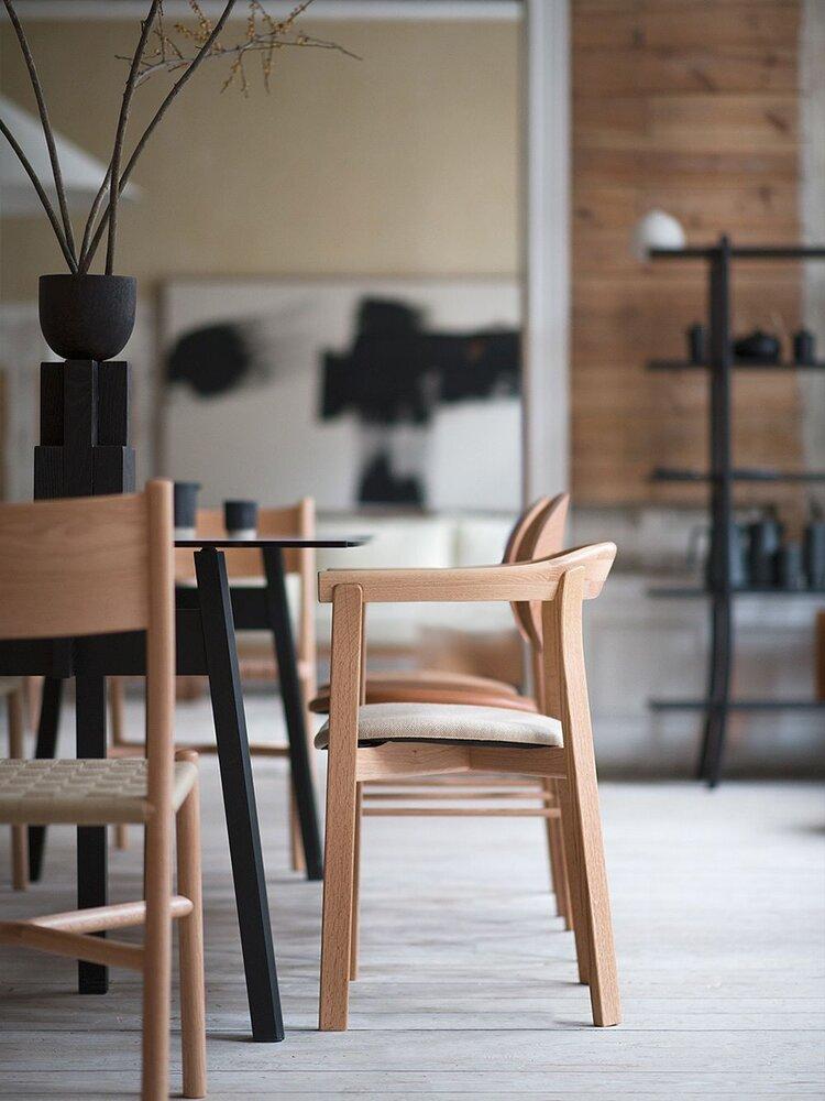 japandi-dekorasyon-sandalye