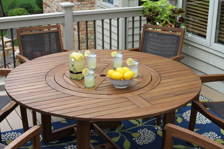 balkon-masası-örnekleri-yuvarlak-masa