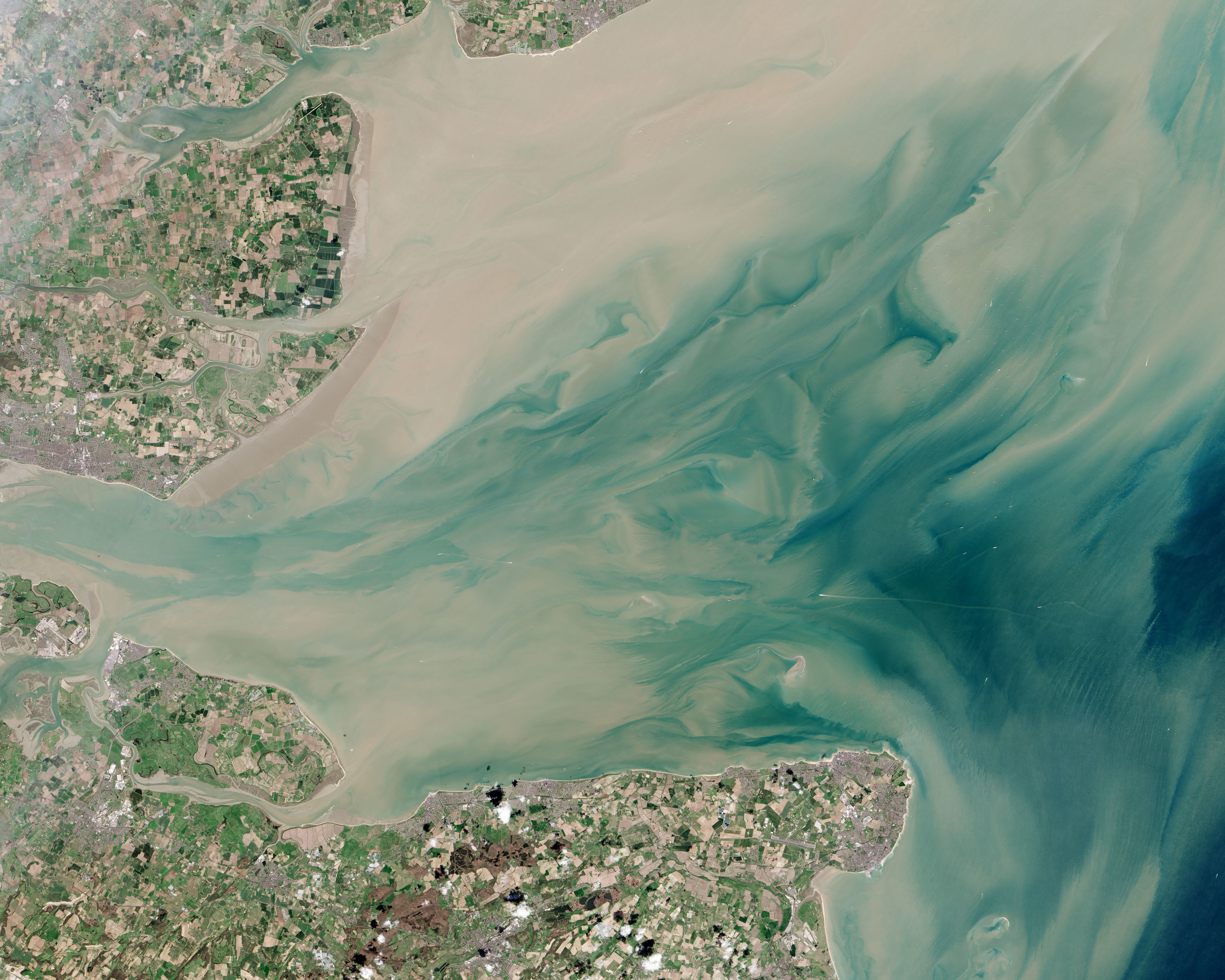 Thames_Estuary_and_Wind_Farms_from_Space_NASA.jpg