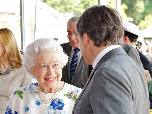 hm-the-queen-and-dr-ralf-speth.jpg