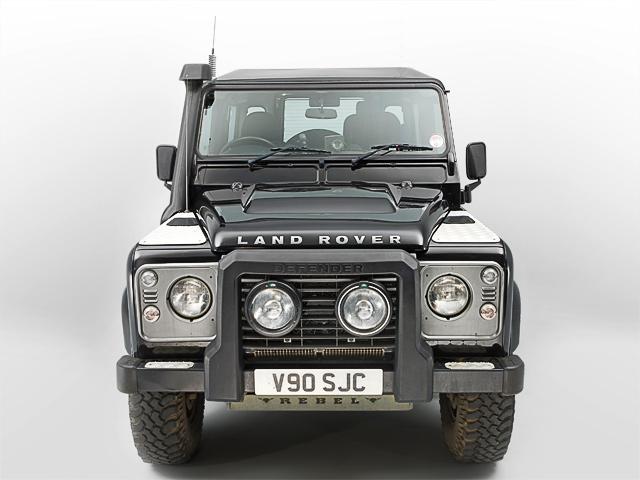Land_Rover_Defender_TDCi_Front.jpg
