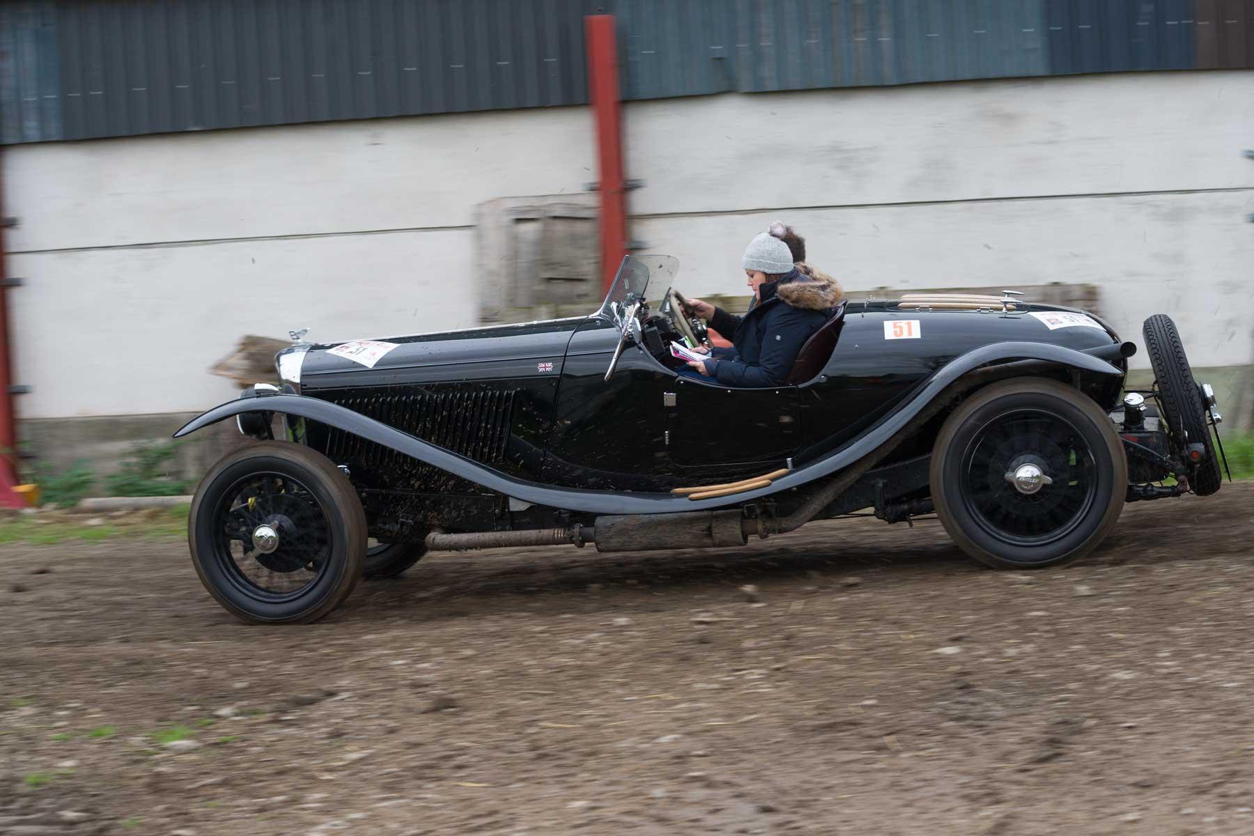 Elliott Dale/Charlotte Ryall, 1937 Bentley Derby