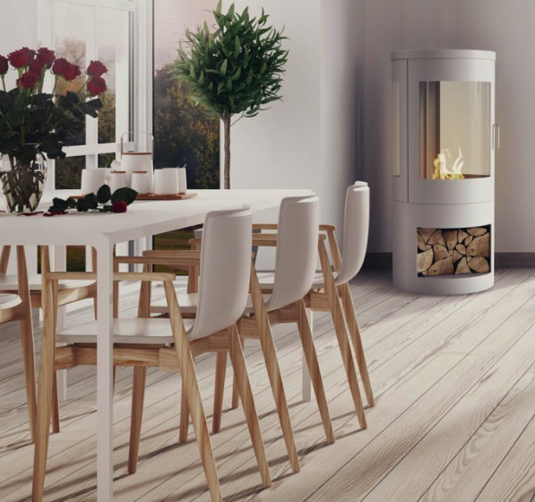 The HOWARTH bioethanol fire is the latest and amongst the most distinctive addition to their range of biofires. It's designed and manufactured specifically for customers that love the Scandinavian styling of woodburners, but without the usual expense and hassle associated with installing them. Woodburner styling partnered perfectly with bioethanol simplicity. -