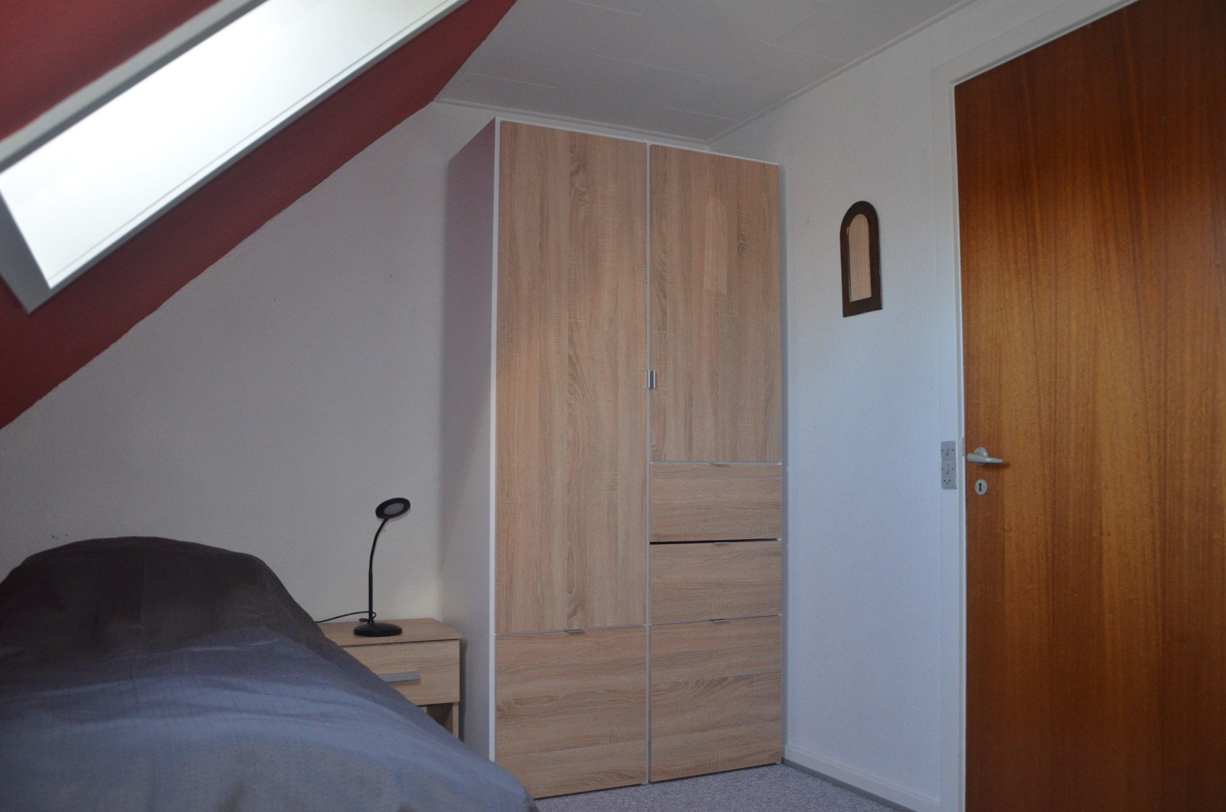 E Rooms 9.JPG