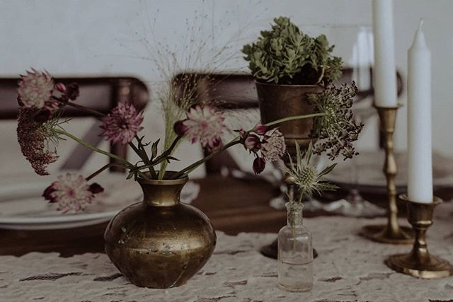 Flowers and candles 🙌  Photo: Orsi  #tabledecor #weddingdecor #balatonwedding #naturalcolor #natural #weddingphoto #weddingstyle #copper #copperacessories #weddingflowersdecor #balatonlelle #tableset #whitemagazine #greenweddinshoes #natural #nature #junebugweddings #barefootwedding #barefootweddingstyle #budapestteam #theweddinglegends #loveandwildhearts #lifeofadventure #adventurouswedding #intimatewedding #bohobride #thewandererscommunity #lovebalaton #candels
