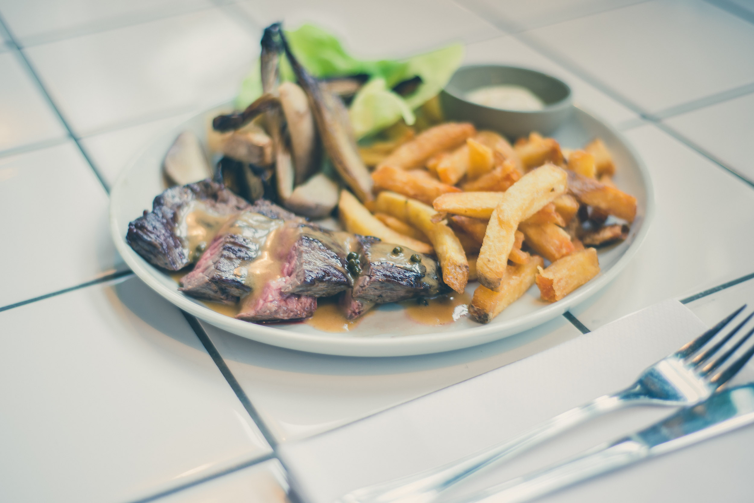 de-klub-lunch-steak-frites.jpg