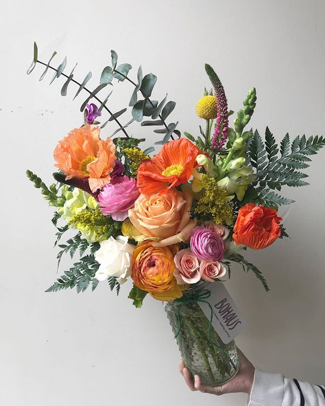oh, hellz yez! some wildly #bright #poppies and #ranunculus because #spring is finally in the air! 🌿🍑🌿#happyfriday! #tgif! stop in and say *hi*...we're open til 5! . . . #bohaus #coffee #flowers #floral #blooms #florist #flowerstagram #flowersmakemehappy #weloveflowers #poppy #snapdragon #fern #sprayroses #eucalyptus #brookynflorist #bedstuy #smallbusiness #supportyourlocalflorist #💐 #fleur #fridaymood