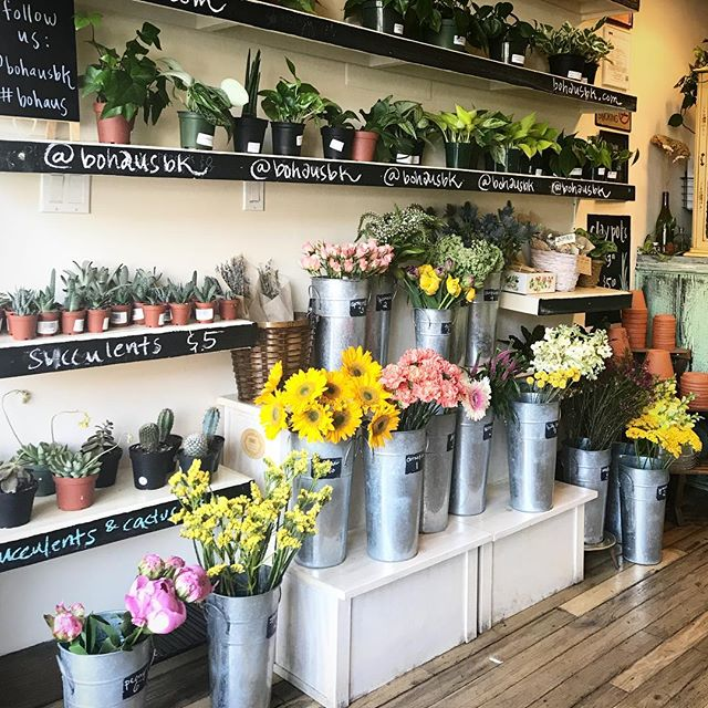 ... and then sometimes we wonder how reliable the #weather apps really are 🍃🌷🍃 we're stocked with an array of #beauty. stop in and say *hi*, we're open til 5! enjoy this #gorgeous day!
