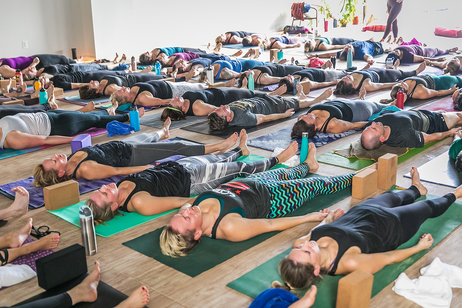 Free meditaion classes and hot vinyasa yoga in Reston Town Center area