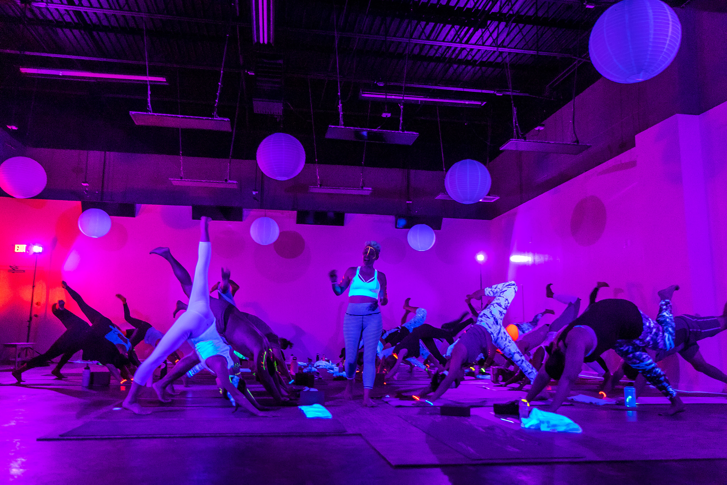 Homegrown Power Yoga Flow & Glow class 499A0011_P.jpg