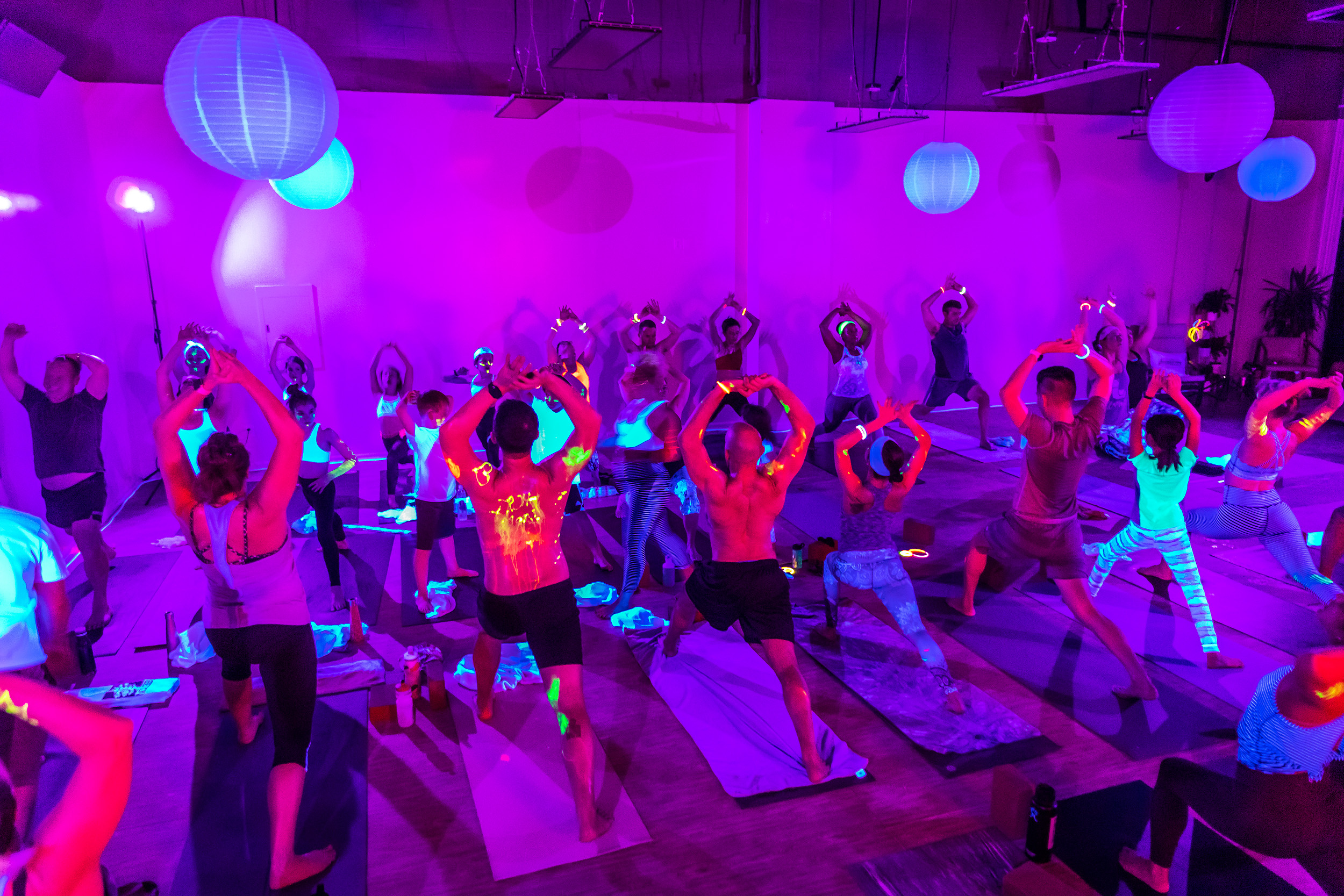 Homegrown Power Yoga Flow & Glow class 499A0089_P.jpg