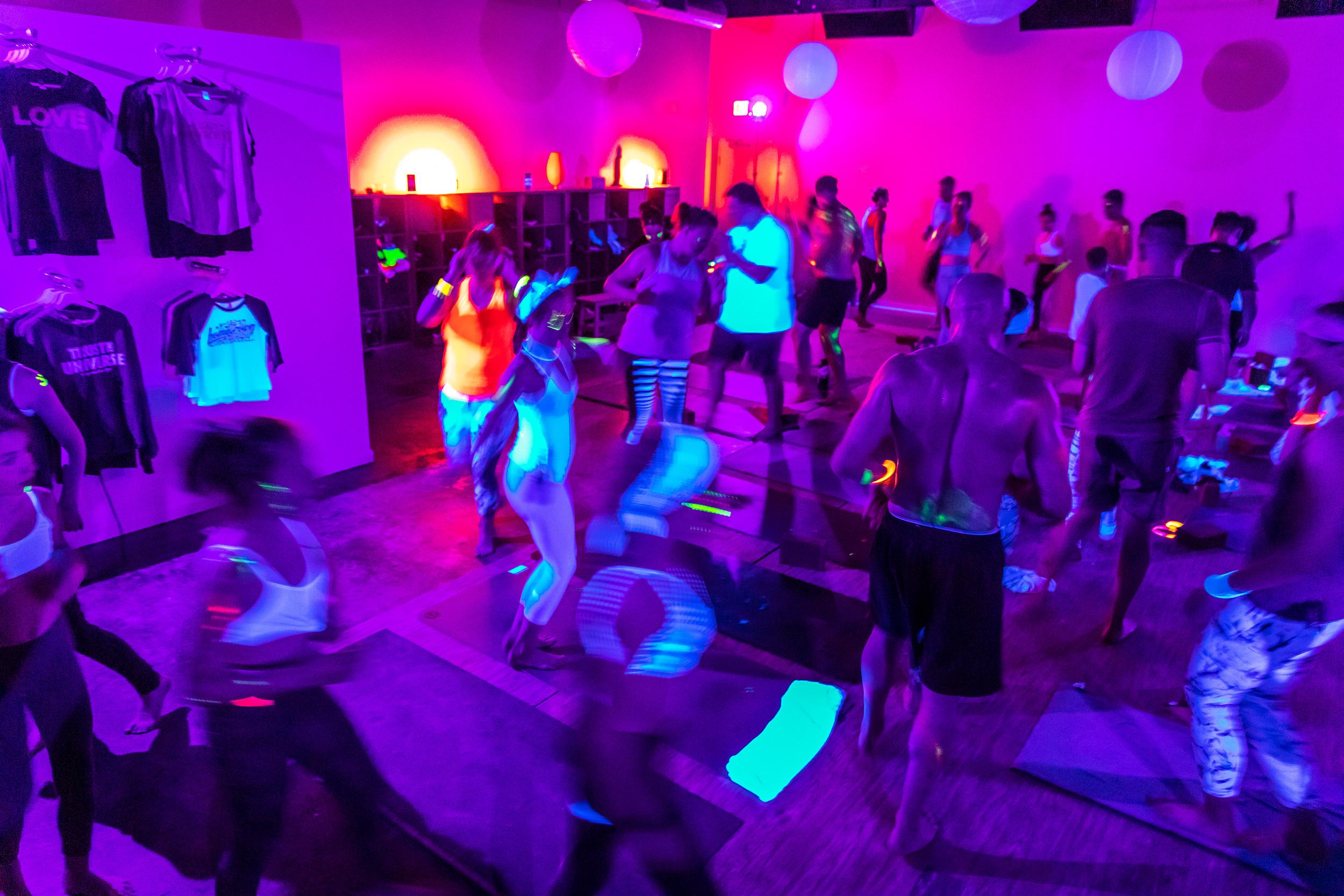 Homegrown Power Yoga Flow & Glow class 499A0145_P.jpg