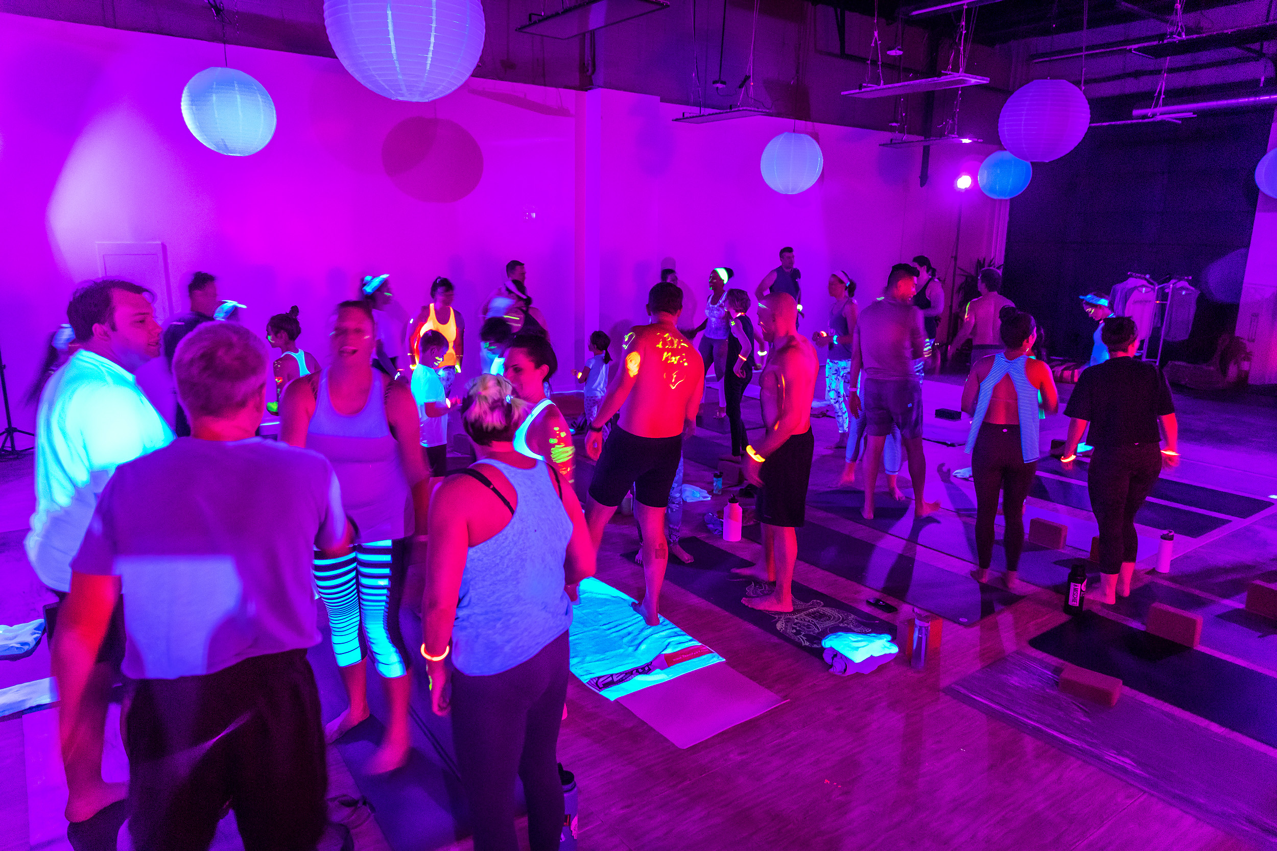 Homegrown Power Yoga Flow & Glow class 499A9970_P.jpg