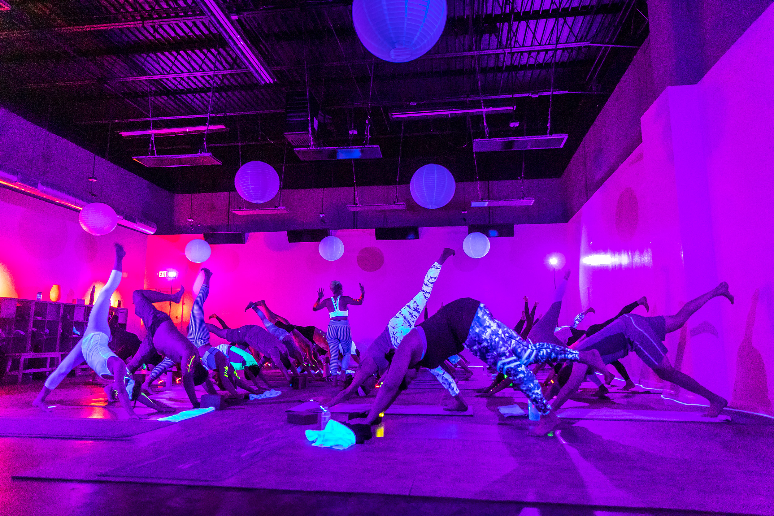 Homegrown Power Yoga Flow & Glow class 499A9998_P.jpg