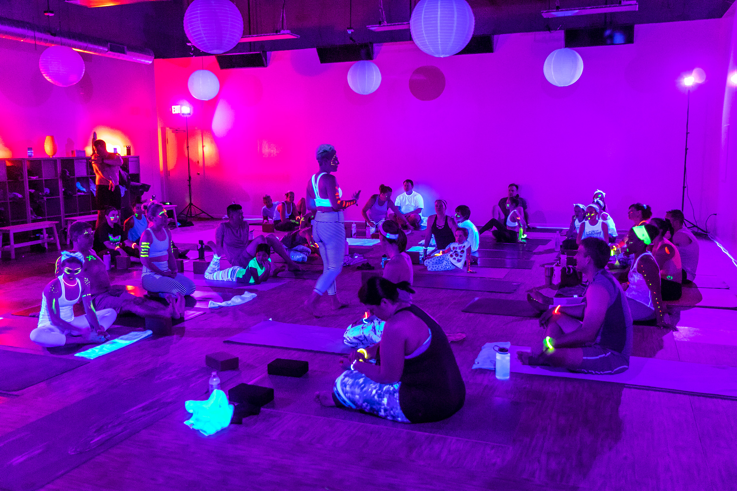 Homegrown Power Yoga Flow & Glow class 499A9967_P.jpg