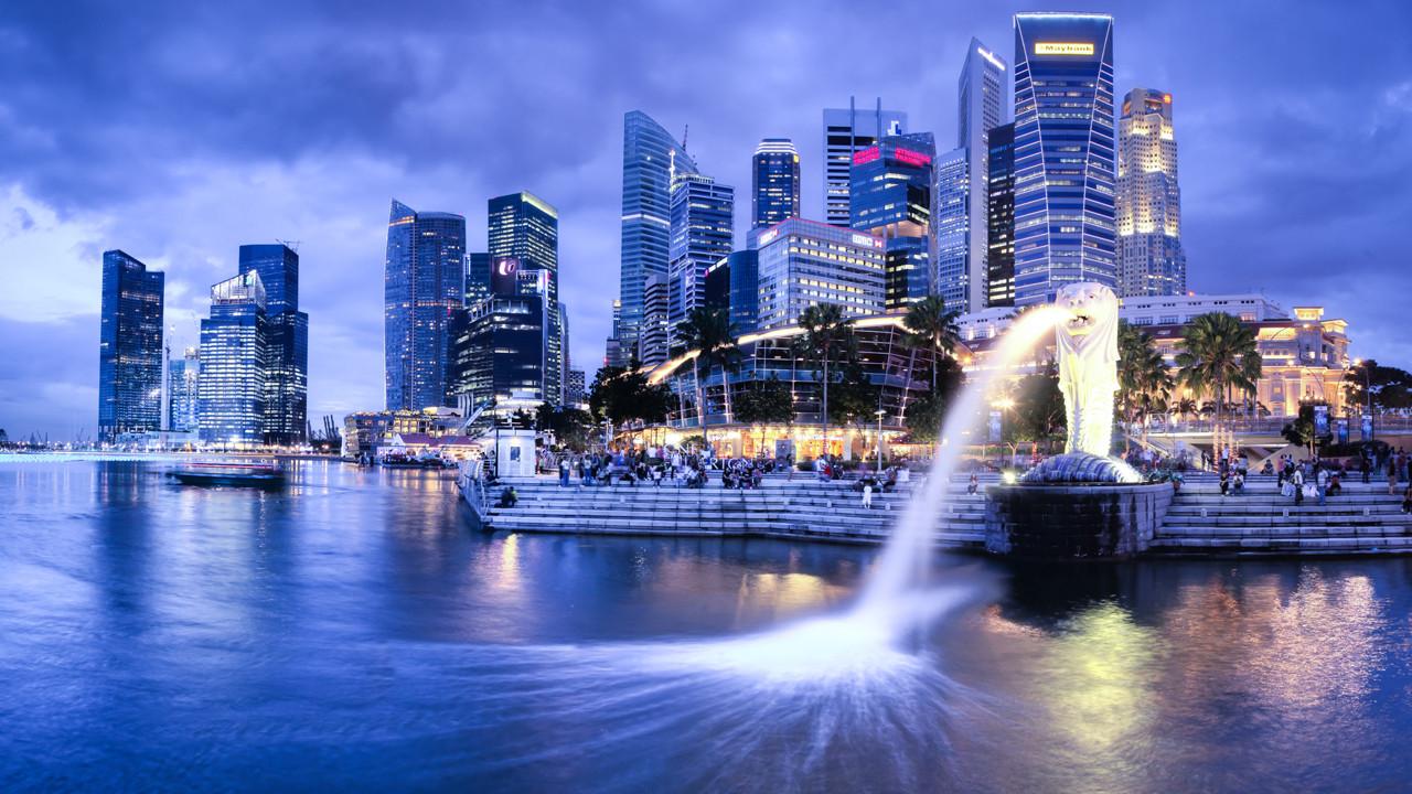 Moving-to-Singapore-Singapore-Merlion.jpg