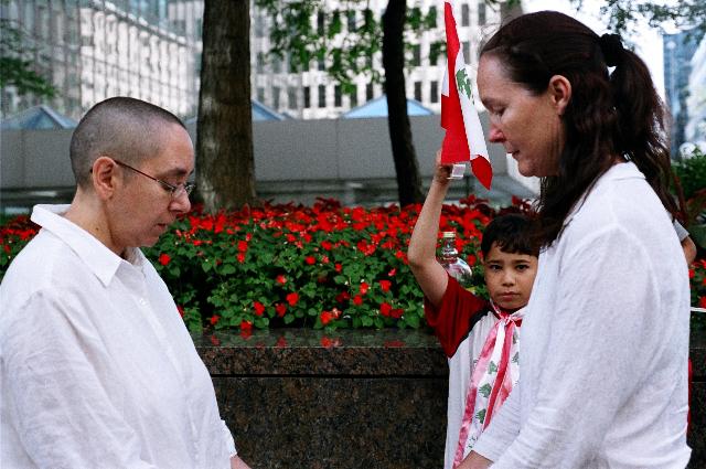 Devora Neumark,And how shall our hands meet?, 2006 En collaboration avec Tali Goodfriend Crédit photo : Louise Lachapelle