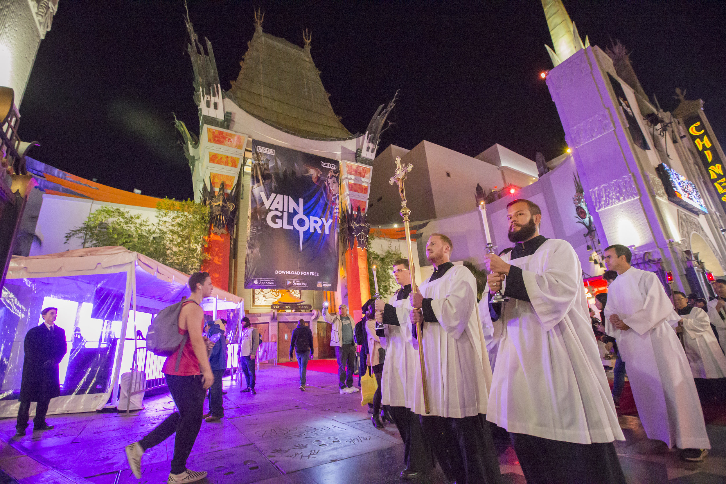 2016.12.03_hollywood_procession34.jpg