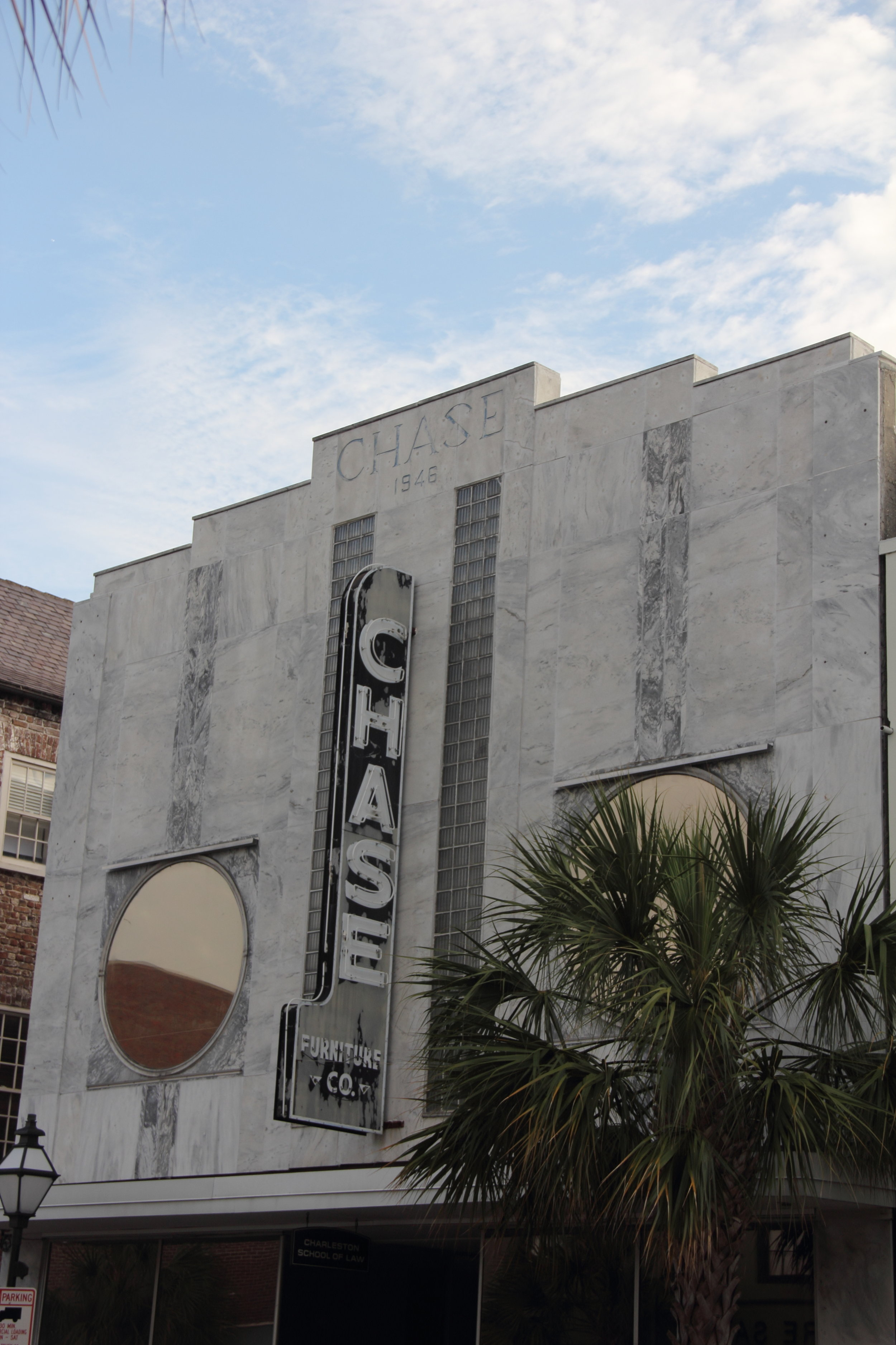 Self-guided architecture tour in downtown Charleston, South Carolina