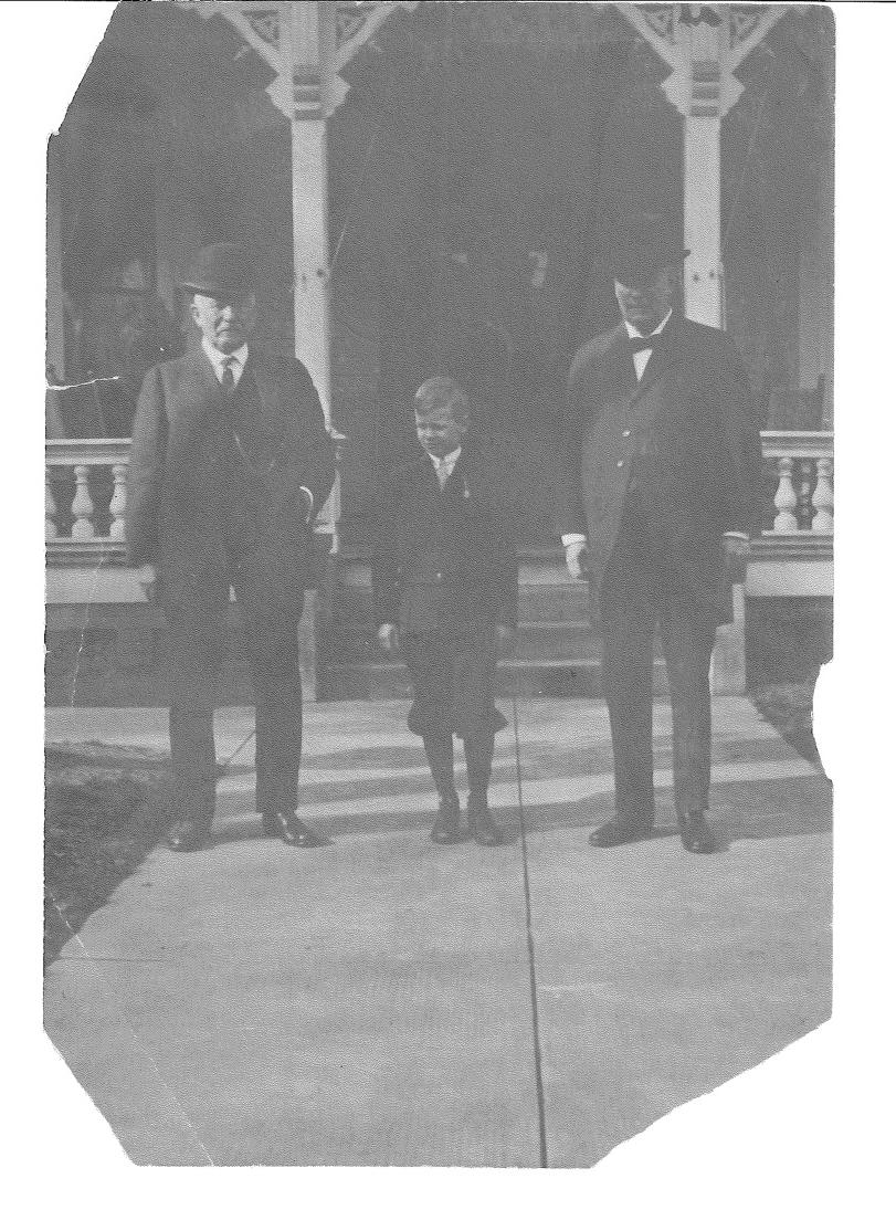 Front Porch 12.28.1913.jpg