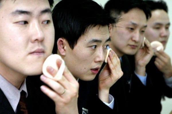 In der Disco gilt: Wer schnackseln will, muss vorher pudern (Foto: Yonhap via UPI.com)