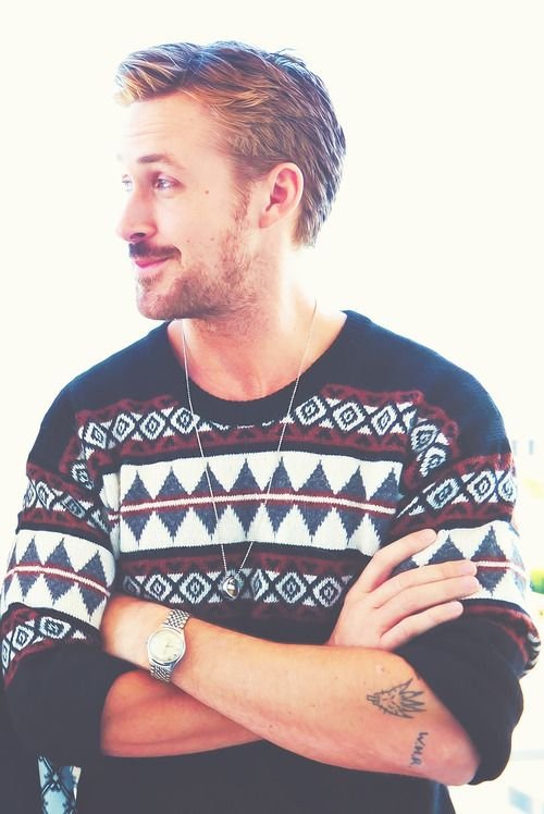 Kein ugly sweater kann Ryan Gosling entstellen