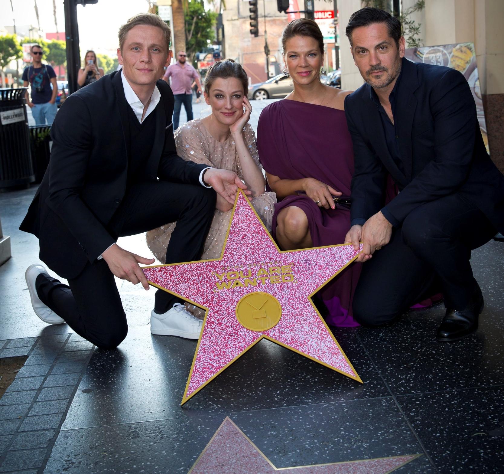 Noch ein Traum: You are wanted auf dem Hollywood Boulevard (Schweighöfer mit Alexandra Maria Lara, Jessica Schwarz, Michael Landes) Foto: Amazon