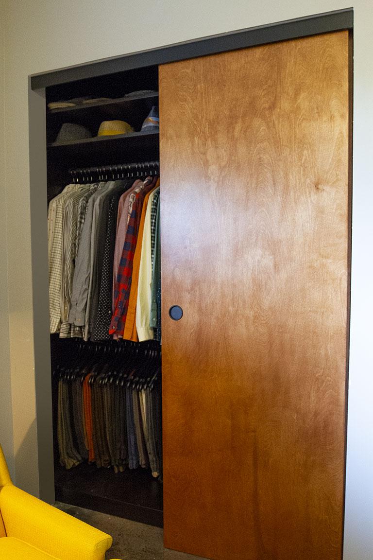 closet_open03.jpg