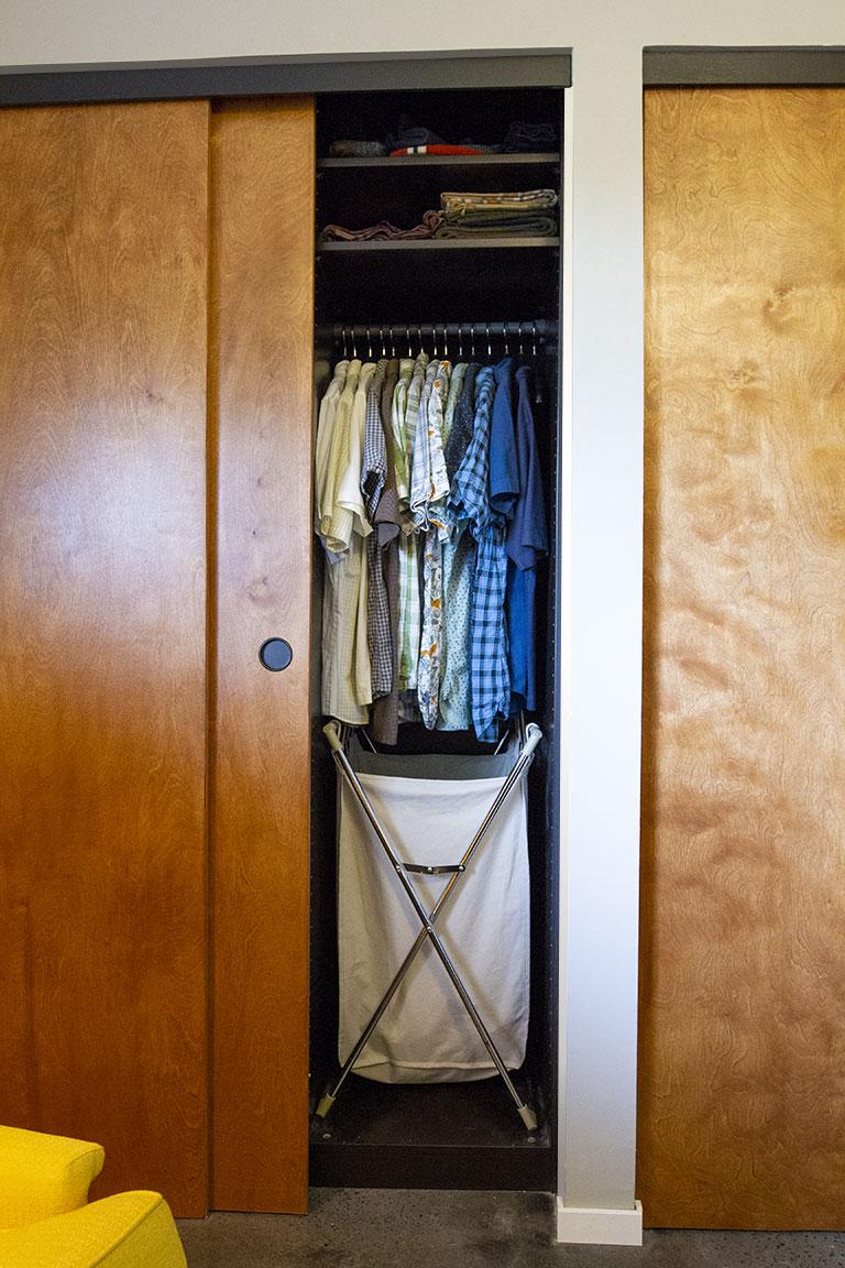 closet_open04.jpg