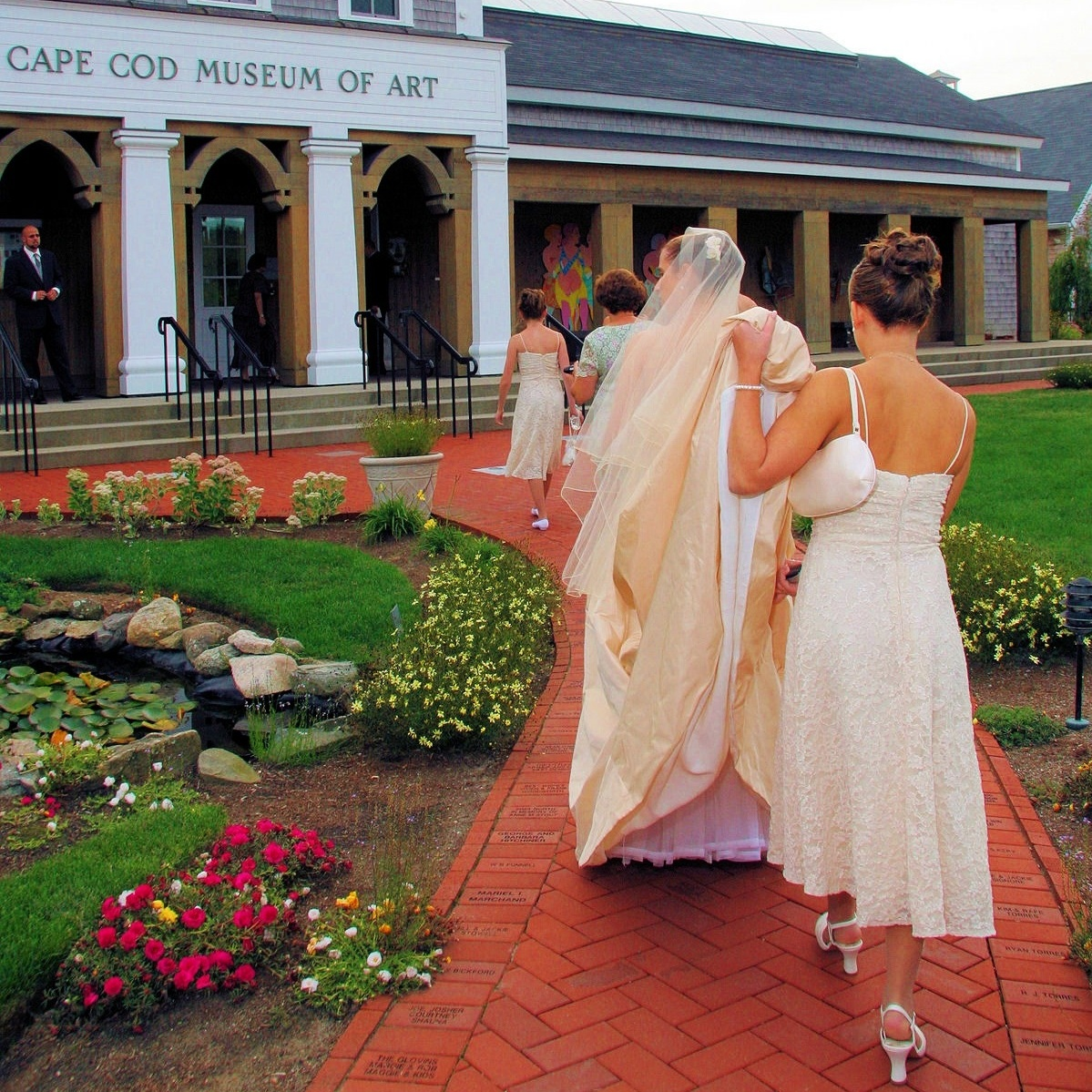 Six elegant art galleries provide an exquisite setting for memorable holiday parties or personal receptions.