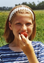 sara_strawberries_620c.jpg