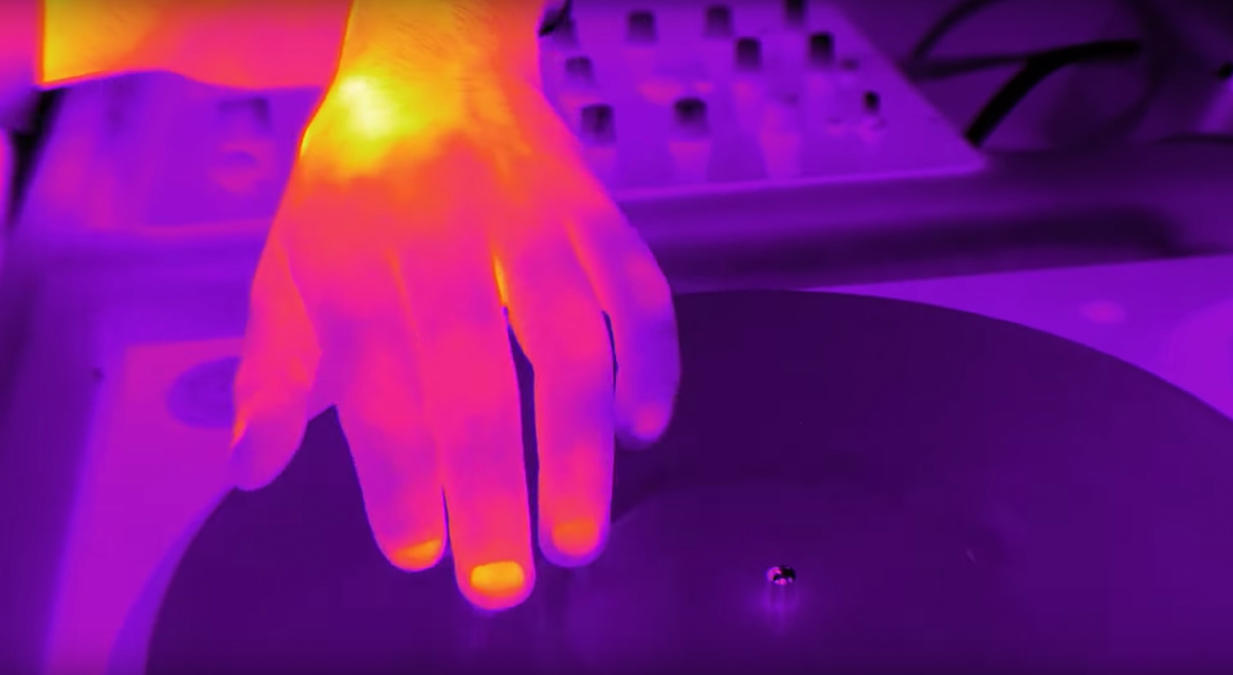 Case Study - Metering With Heat: Shooting My Love with a Thermal Camera
