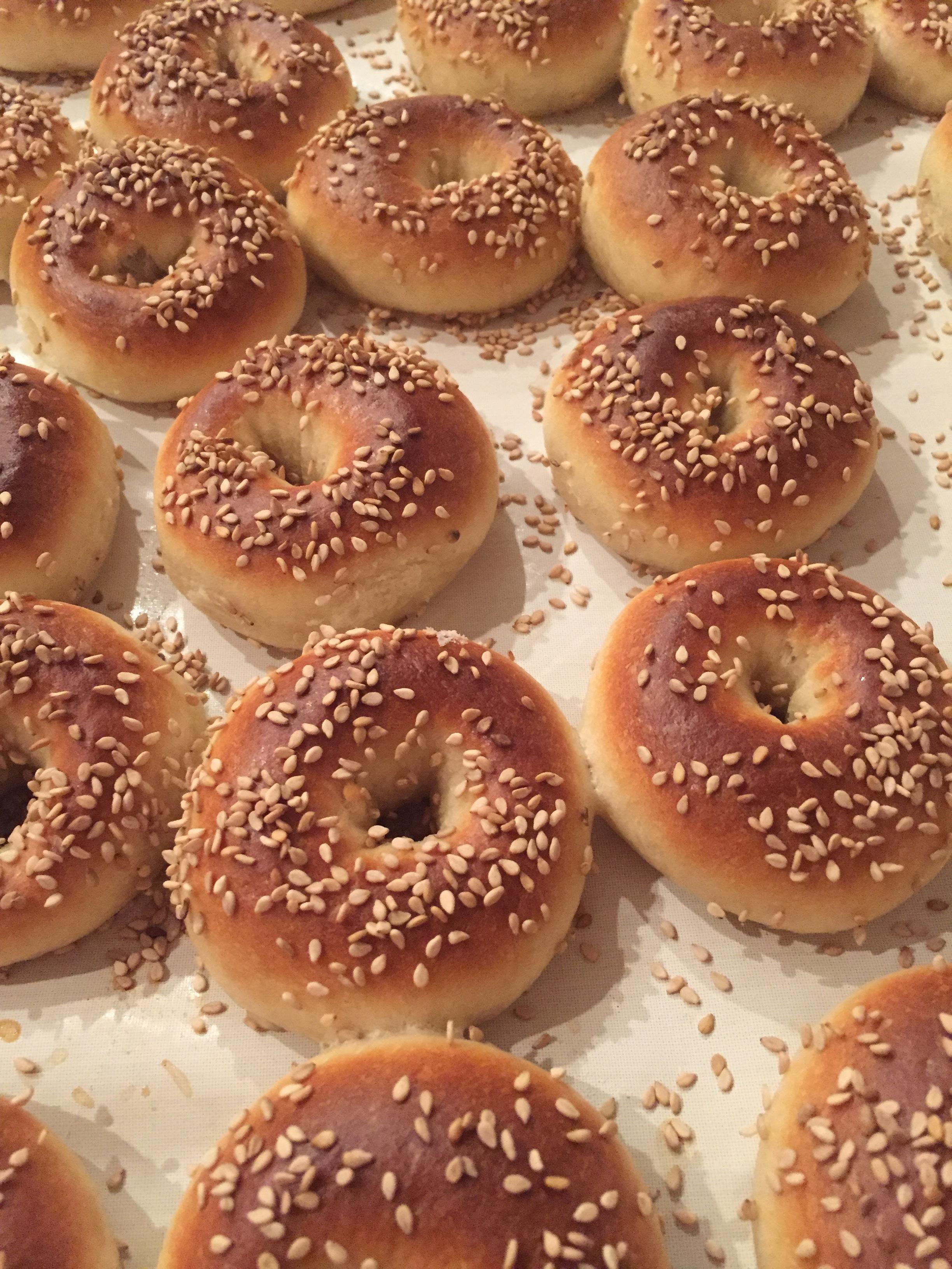 Mini bagels, each weights 35 grams.