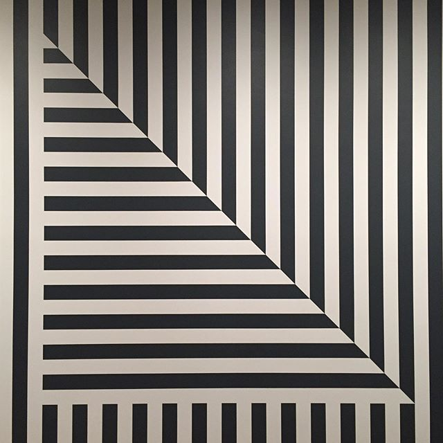 Triangle Stripes . #inspired #inspiration #baurain #baurainofficial #barbicanism #blackandwhite #black #geometric #triangle #stripes #art #design
