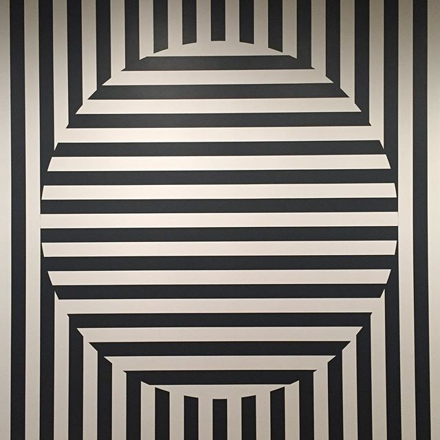 Circle Stripes . #inspired #inspiration #baurain #baurainofficial #barbicanism #blackandwhite #black #geometric #circle #stripes #art #design