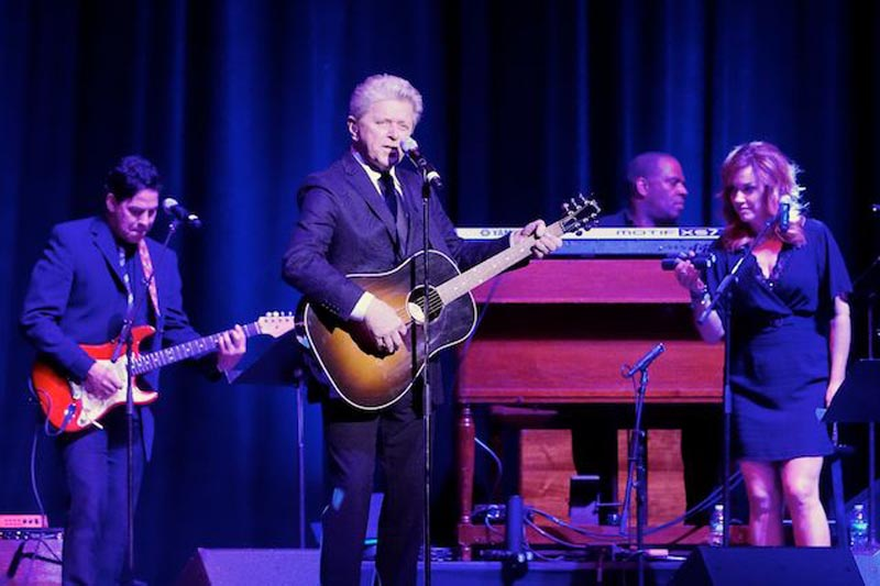 Hire Peter Cetera for Events