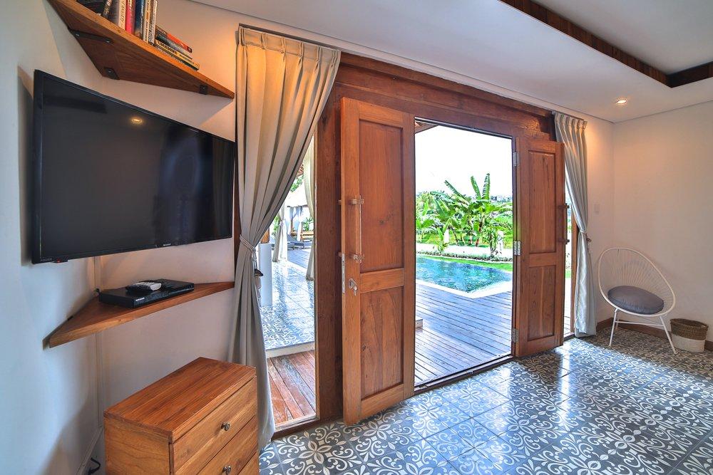 Swiss_Villa_in_Seminyak_Bali_by_Victoria_Villas_Image-1+(2).jpg