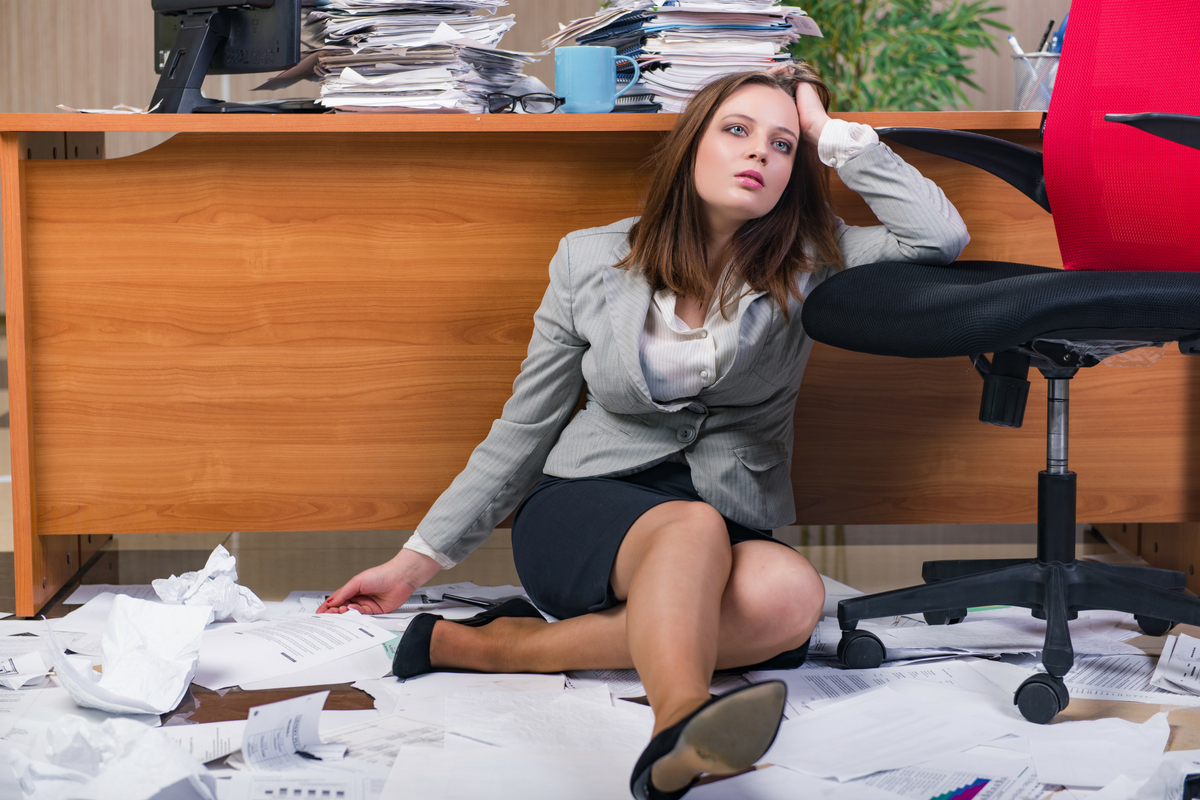 Business women stressed.png