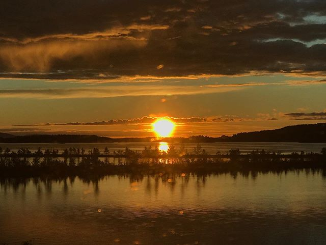 Midnight sun.  #soundbynature #sápmi #nofilter