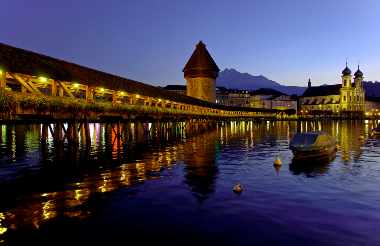 Let our drivers take you to the most amazing places in Switzerland - just lay back and enjoy the view.