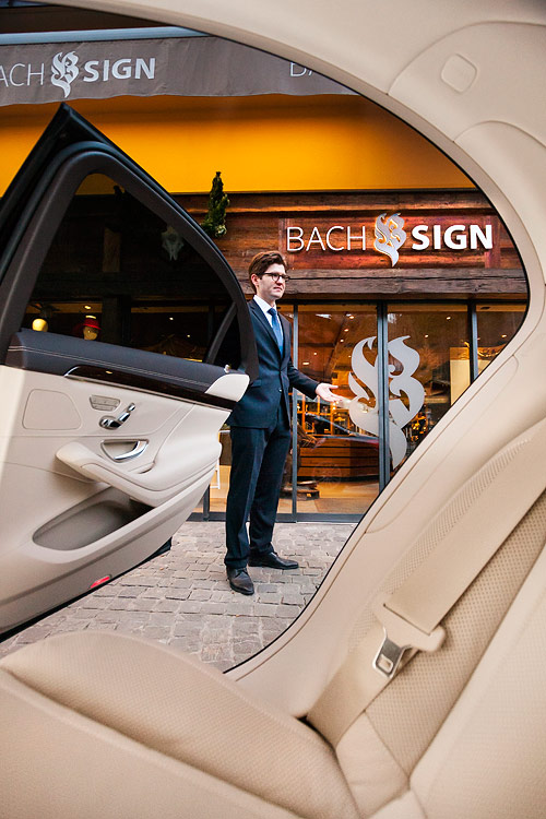 Whether you would like to go for a full shopping day in Gstaad, Geneva, Zurich or even Milan - we assist you.