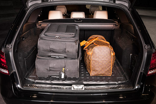 The trunk is very large: it can fit in plenty of luggage and even skis, baby trolleys and wheel chairs whilst still having enough space for the passengers.