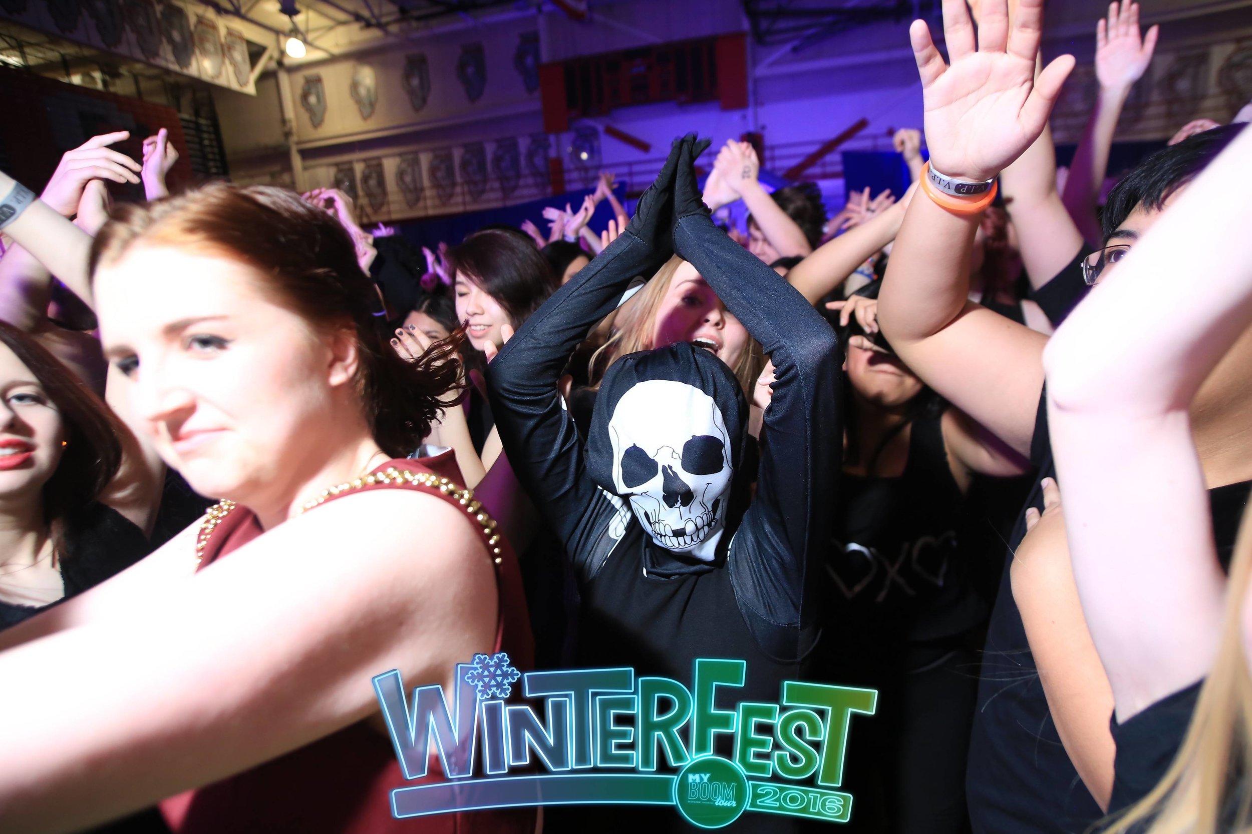 Palatine WinterFest16 Watermarked Good127 copy.JPG