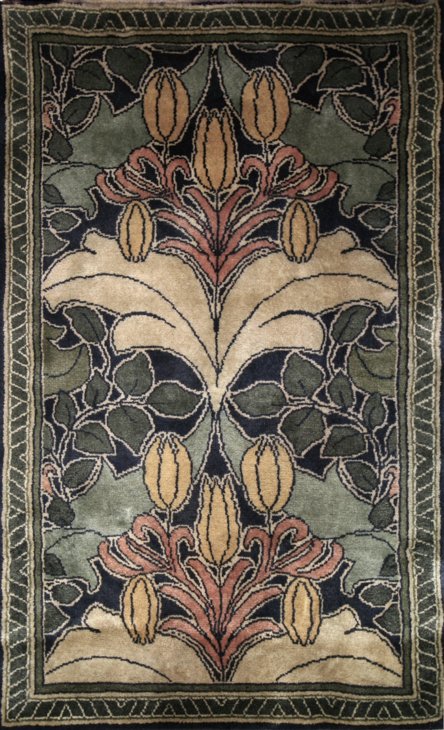336 Donnemara Tulip and Lily, Handknotted in India with New Zealand Wool, 3' x 5'
