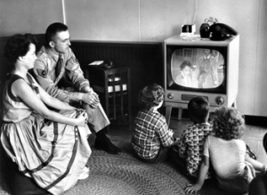 50s-family-watching-tv-o.jpg