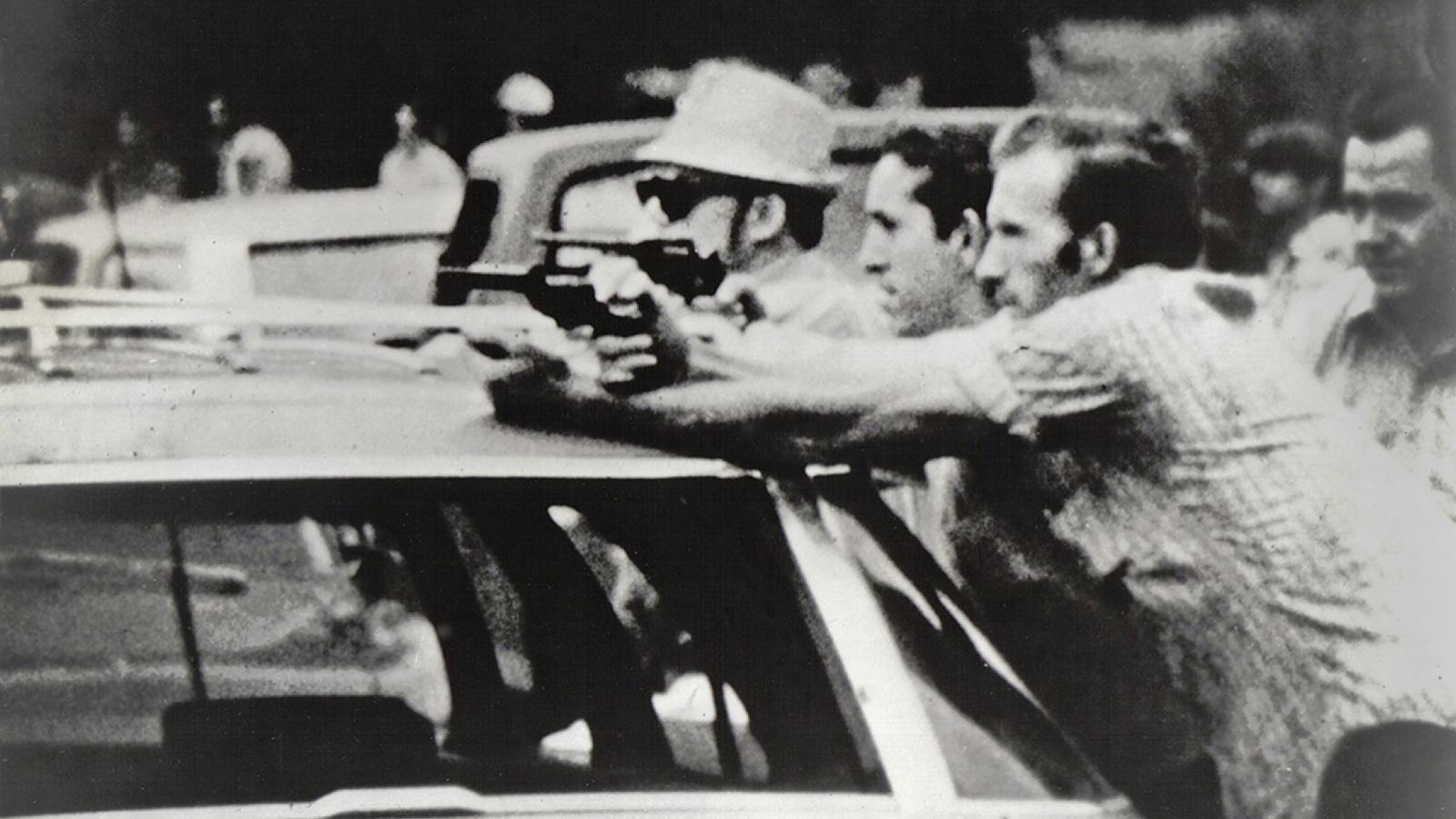 gun standoff.jpg
