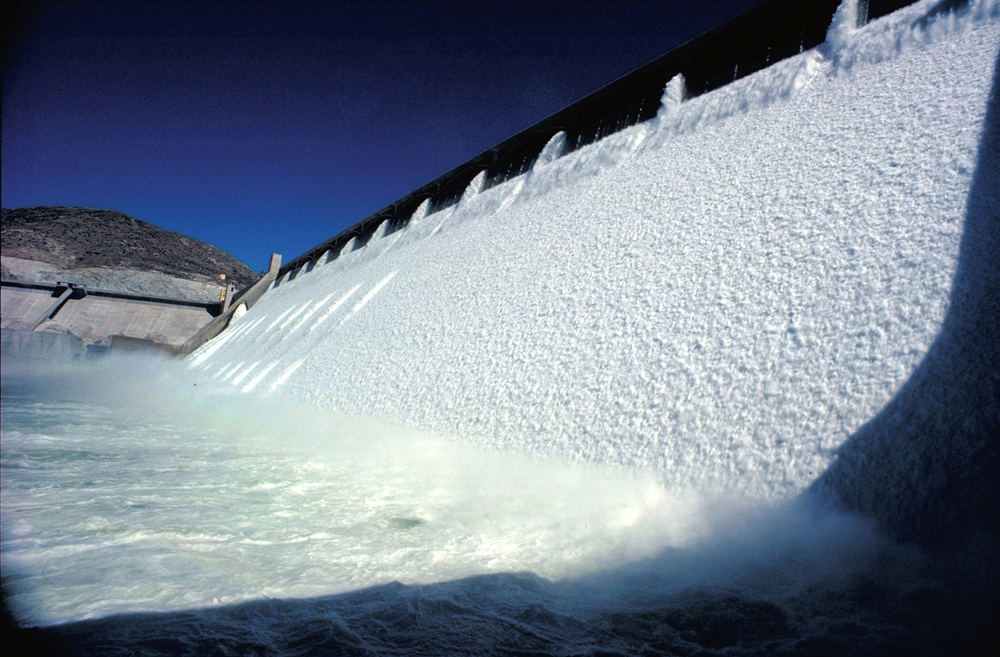 ice-in-grand-coulee-dam.jpg